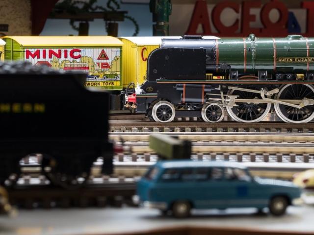 ACE Trains London - Queen Elizabeth